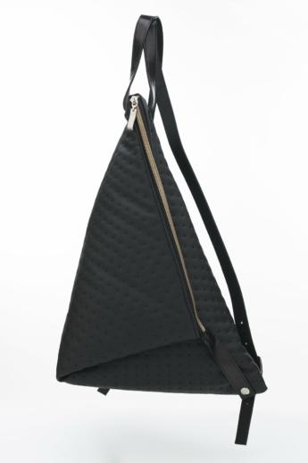 Artista: Delta műbőr hátizsák pöttyös - fekete