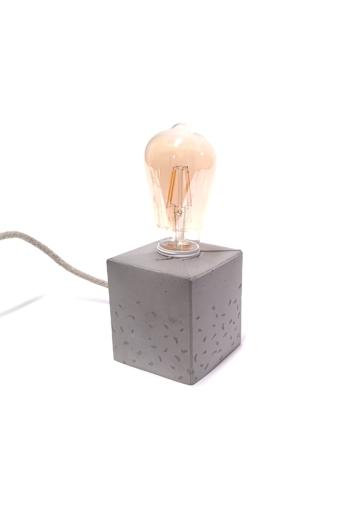 Kredenc: Beton kocka lámpa - könnycseppes