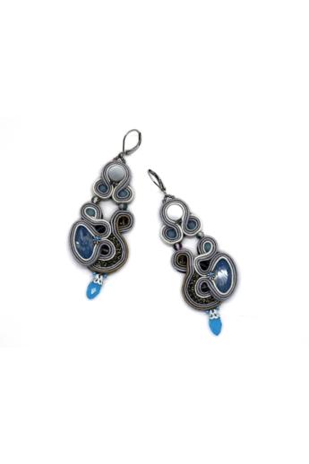 GABEL: Fehér, világos szürke hosszú sújtás fülbevaló kék kristályokkal