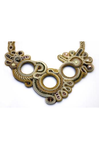 GABEL: Bézs, arany sújtás nyakék kristályokkal