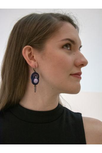 GABEL: Sötét kék, lila sújtás fülbevaló
