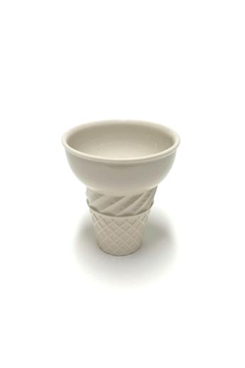 Knetik Dóra: Porcelán fagyitölcsér drapp N1 / magasság 12cm