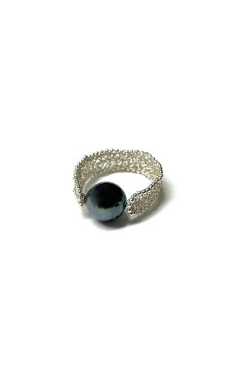 Krausz Dia: Horgolt ezüstgyűrű tahiti-gyönggyel