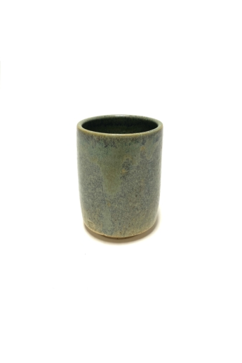 Márta Nóra: Zöldpöttyös, pirites teás bögre / magasság 13cm, ø 9cm