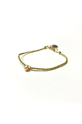 Malutka: Rózsaszín gyöngy - aranyszínű cérnára horgolt karkötő
