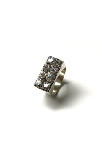 Mester Éva: Strasszköves gyűrű