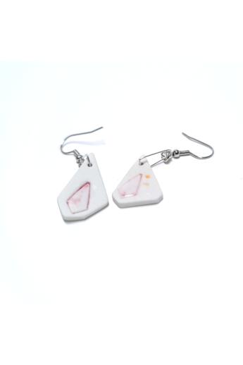RE Jewel: Rózsaszín foltos lógós porcelán fülbevaló