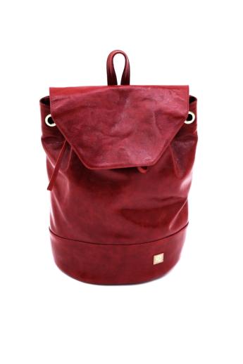 REQU Design: Meggypiros gyűrt lakkbőr hátizsák