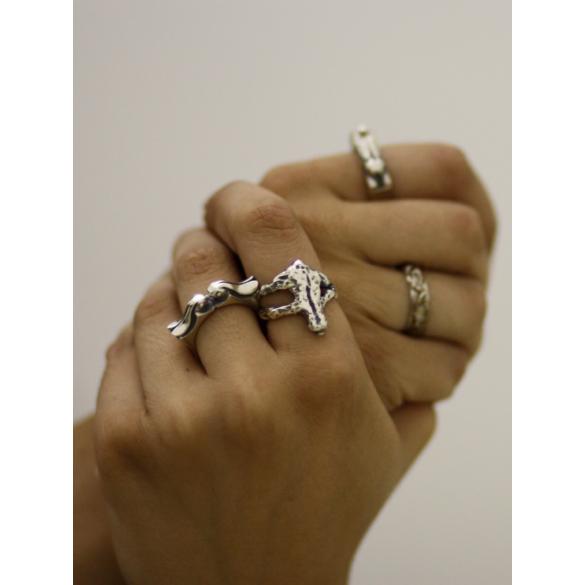Bajcsi-Nagy Balázs: Nyuszi-puszi gyűrű