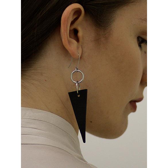 MIKO: Weiko No. 3 fekete fülbevaló