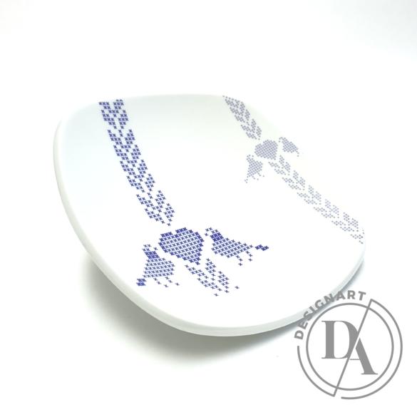 Boldizsár Zsuzsa: Fehér tányér kék mintás ø20cm