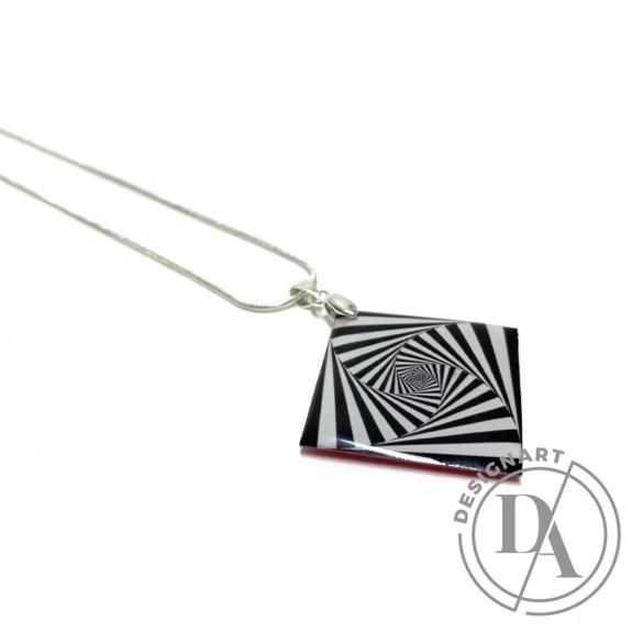 COTA: Optikai illúziós nyakék ezüst láncon