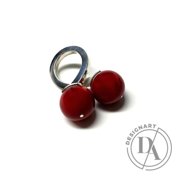 Gaál Gyöngyvér: Duplagolyós gyűrű / ezüst, korall