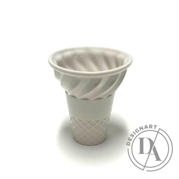 Knetik Dóra: Porcelán fagyitölcsér drapp N2 / magasság 12cm
