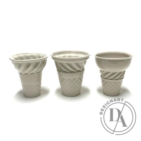Knetik Dóra: Porcelán fagyitölcsér drapp N3 / magasság 12cm