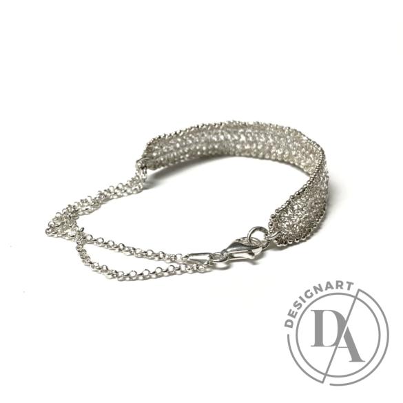Krausz Dia: Vékony horgolt ezüstkarkötő lánccal