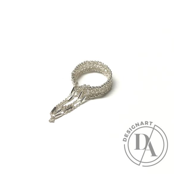 Krausz Dia: Vékony horgolt ezüstgyűrű lánccal