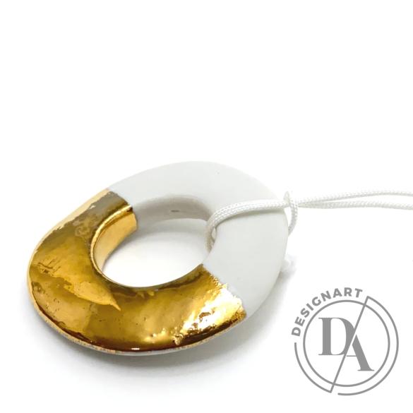 Lantos Judit: Arany-fehér kör medál