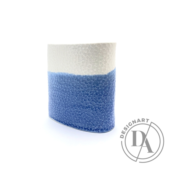 Lantos Judit: Kék-fehér váza