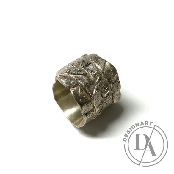 Mester Éva: Széles, rusztikus gyűrű