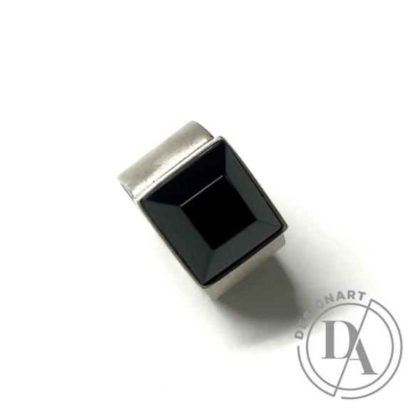 Mester Éva: Szögletes ónix köves gyűrű