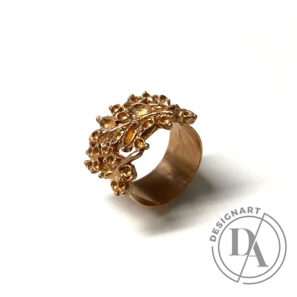 Mester Éva: Ornamentális gyűrű