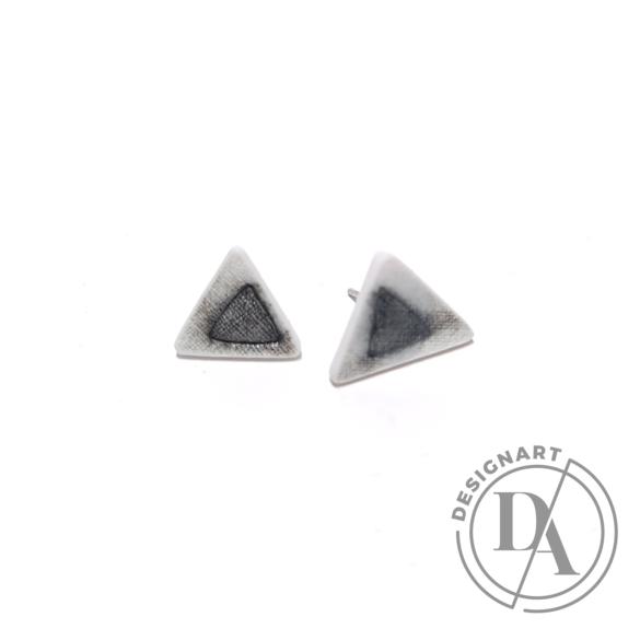 RE Jewel: Szürkefoltos háromszög porcelán fülbevaló