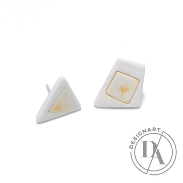 RE Jewel: Sárga foltos háromszög porcelán fülbevaló