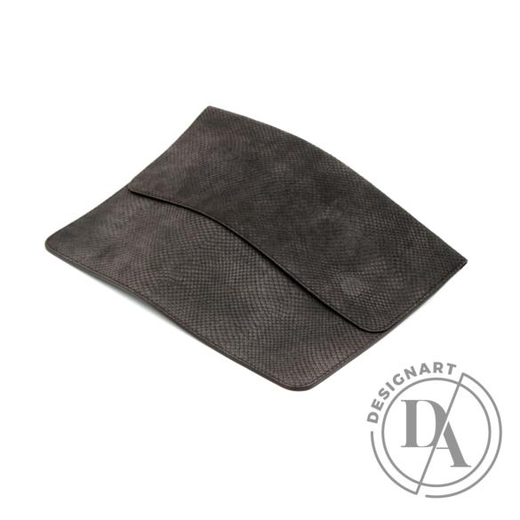 REQU Design: Fangobarna bőr tok
